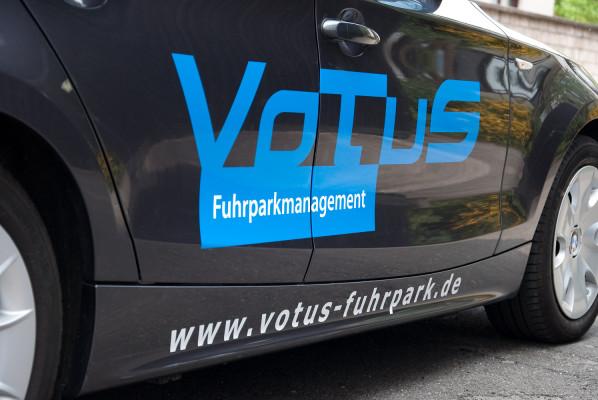 focus-folienbeklebung-fahrzeugbeschriftung-votus