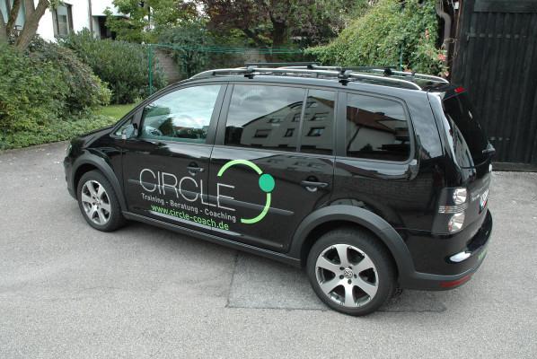 focus-folienbeschriftung-fahrzeugbeklebung-circle-coach
