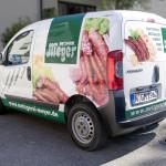 Großfläche Folierung des Lieferwagens der Metzgerei Meyer mit ansprechenden Food-Aufnahmen und großem Logo