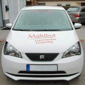 Folierung einer Motorhaube der Firma Mühlhof Catering