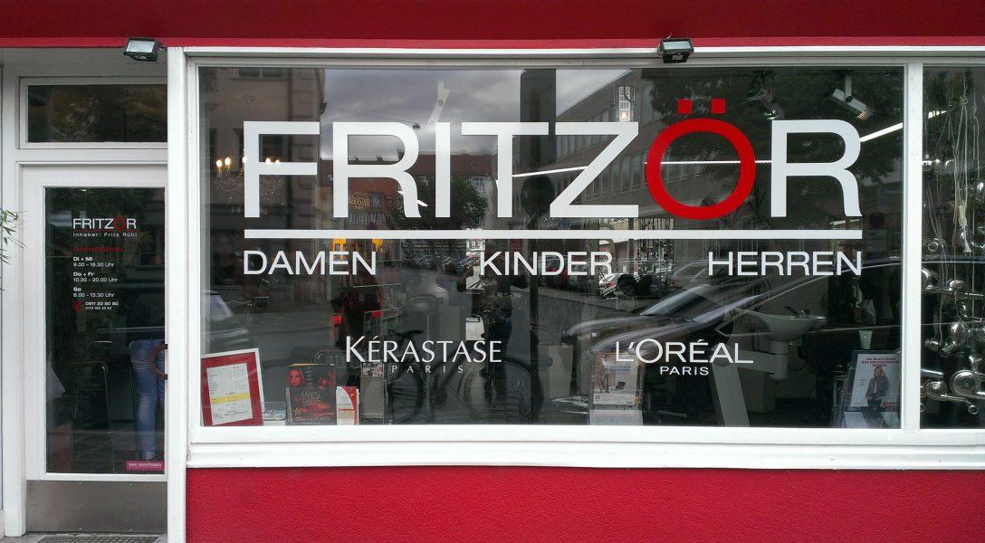 2-farbige Schaufensterbeklebung für Fritzör
