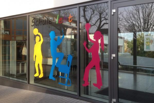 folienbeschriftung-focus-nuernberg-fensterbeschriftung-grundschule-oberasbach-altenberg-2