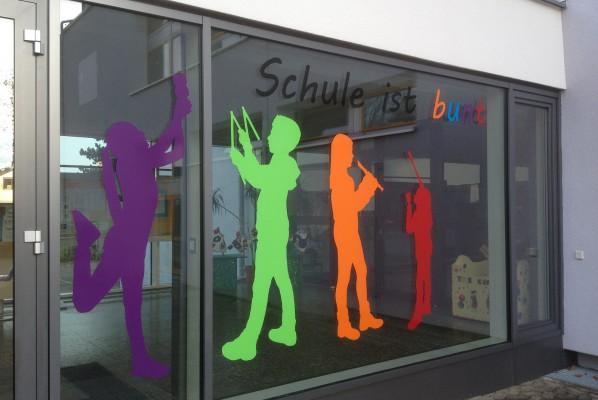 folienbeschriftung-focus-nuernberg-fensterbeschriftung-grundschule-oberasbach-altenberg