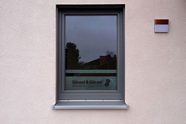 werbeagentur-focus-Guenzel-und-Guenzel-Steuerberatungsgesellschaft-Fensterbeklebung