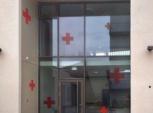 Beklebung des Bayerischen Roten Kreuzes in Stein
