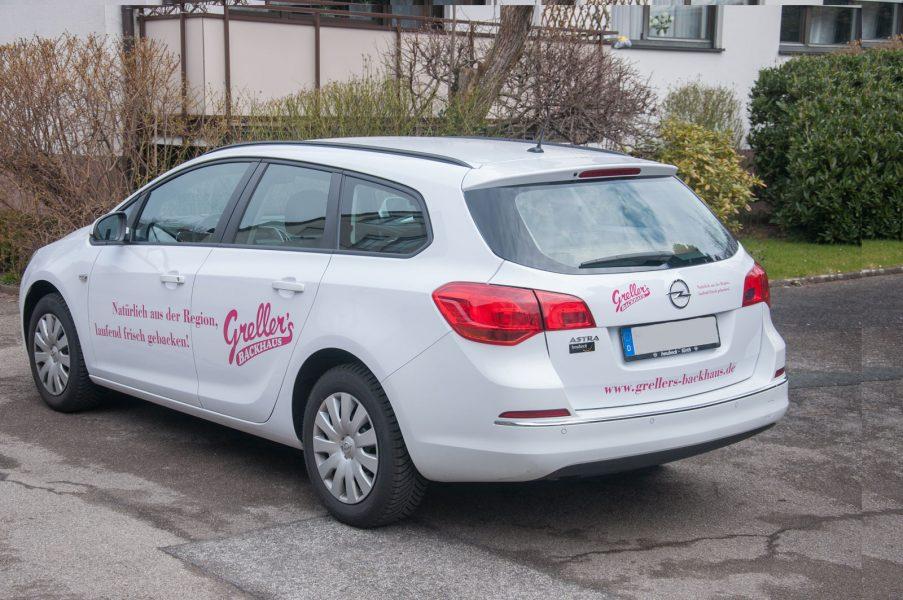 Beklebter Opel Astra Sport Tourer
