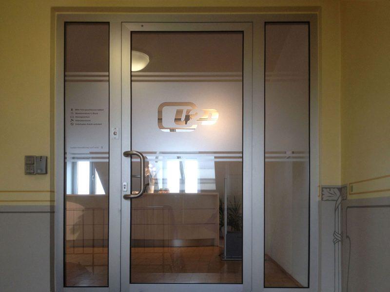 Up2date Sichtschutzbeklebung Eingangstüre