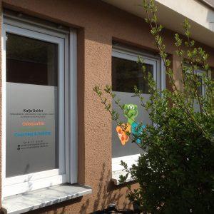 Fensterbeklebung Sichtschutzfolie + Werbung