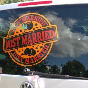 Just Married Aufkleber auf Heckscheibe in 2 Farben