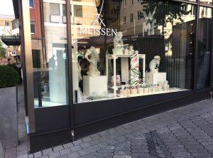Minimalistische Schaufensterfolierung von Meissen in Nürnberg