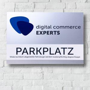 Folienbeschriftetes Aluschild für digital commerce