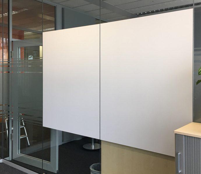 Whiteboardfolie auf Glaswand foliert