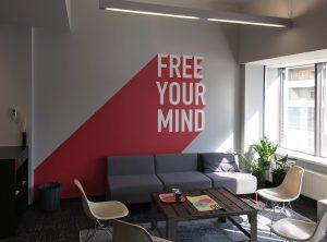 "Wandbeklebung - ""FREE YOUR MIND"" Wandtattoo bei Design Offices"