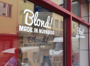 Schaufensterbeklebung - Schaufenster mit neuer Folienbeschriftung von Blond! Made in Nürnberg