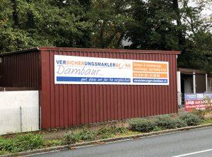 Schilder - Großes Alu-Dibond Schild an einem Container von der Firma Dambaur