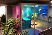 focus-folienbeschriftung-nuernberg-cubes-dichroitische-folie-design-offices-01