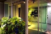 focus-folienbeschriftung-nuernberg-cubes-dichroitische-folie-design-offices-07