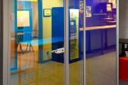 focus-folienbeschriftung-nuernberg-cubes-dichroitische-folie-design-offices-17