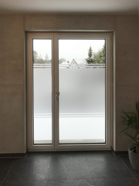 Sichtschutzbeklebung einer Glastüre
