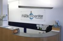 Acrylschild-Beschriftung | Medic Center