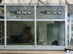 Folierung - Ladenfront mit beklebten Oberlichter von Hot Rod Fun in Nürnberg