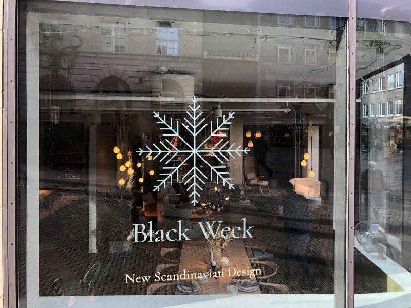"""Schaufensterbeklebung """"Black Week"""" für das Einrichtungshaus Bolia in Nürnberg"""