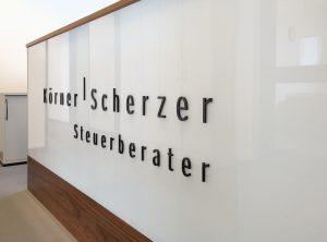 3D-Einzelbuchstaben aus lasergeschnittenem Acrylglas