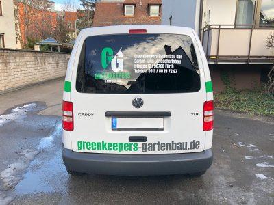 Heckbeklebung eines VW Caddy Kleintransporters für Greenkeepers Gartenbau