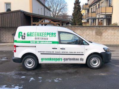 Seitliche Folierung eines Kleintransportes für die Gartenbaufirma Greenkeepers