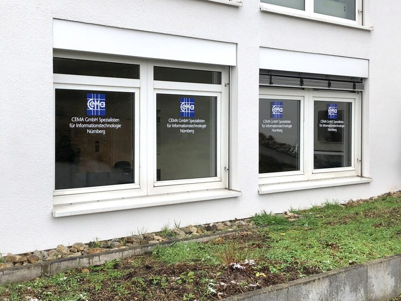 Folienbeschriftung - Fensterfolierung für die Cema AG