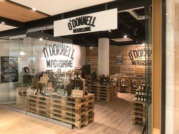 3D-Logo - Schild über dem Eingang des O`Donnell Ladens in Fürth